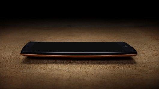 Leather-Back Smartphones