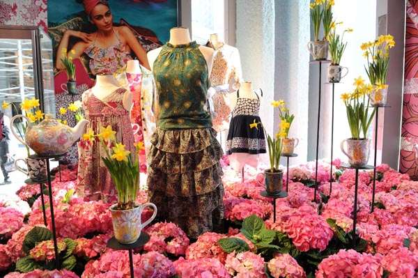 Bouquet Fashion Displays