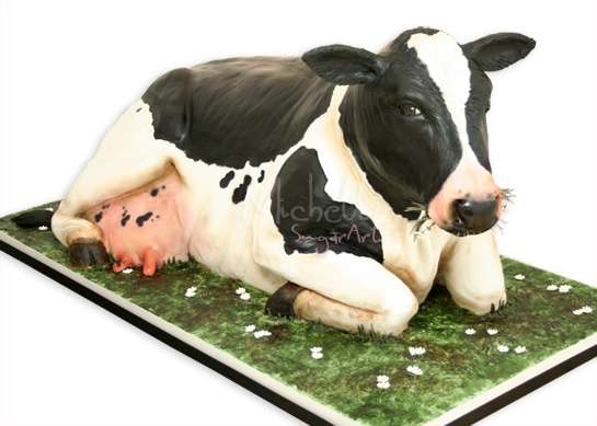 Life Sized Cow Cakes
