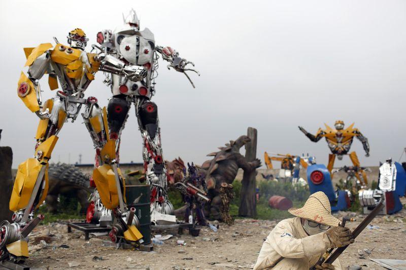 Giant Alien Robot Sculptures