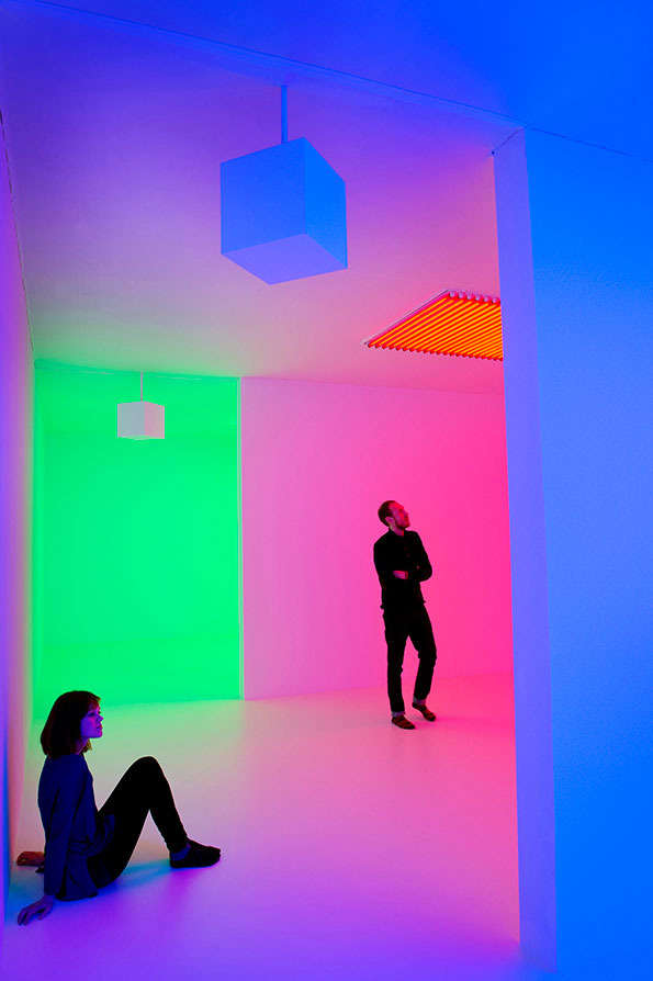Immersively Luminous Galleries