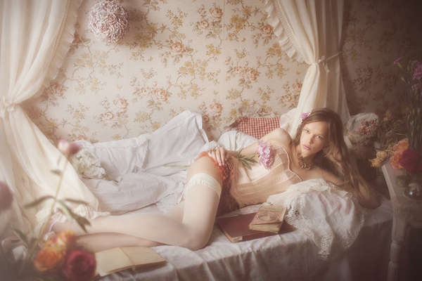 Romantically Rosy Editorials