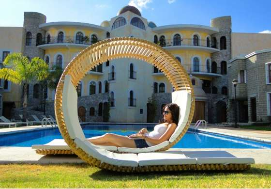Loopita Bonita Lounger