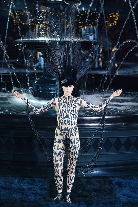 Dramatic Showgirl-Inspired Fashion