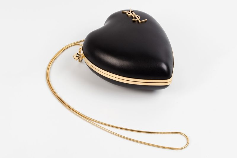 Luxurious Heart-Shaped Clutches