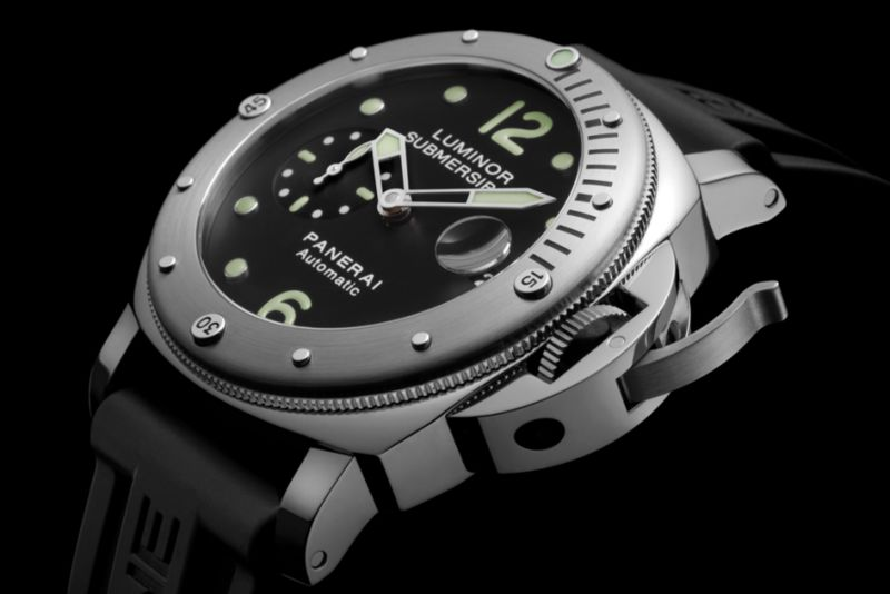 Stylish Submersible Timepieces