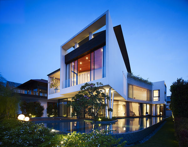 Fluid Boomerang Waterfront Houses