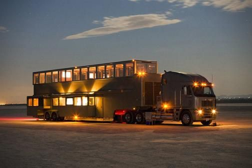 Million dollar mobile homes luxury mobile home for Camping car de luxe avec piscine