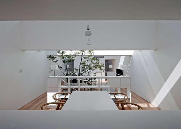 Mimalist Garden Interiors