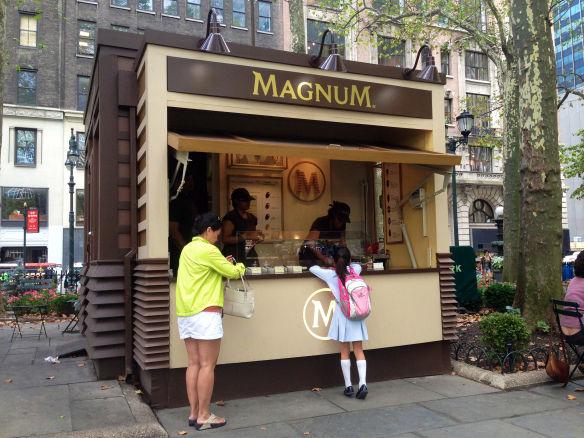 Customizable ice cream magnum ice cream for Magnum pop up store