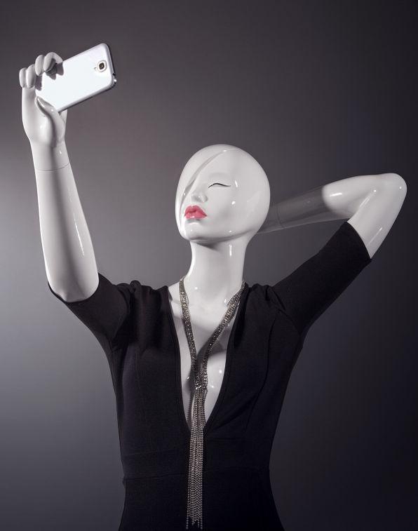 Selfie-Taking Mannequins