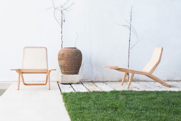 Versatile Contemporary Lounge Chairs