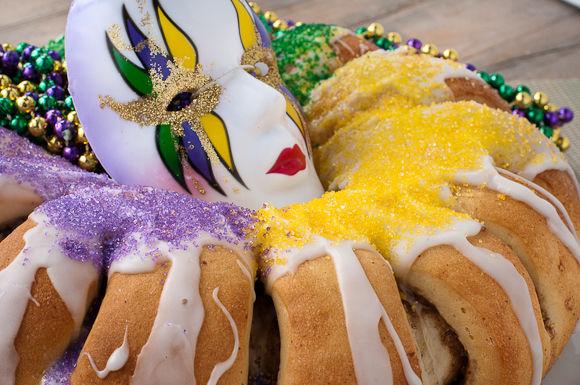 New Orleans Inspired Cakes : mardi gras king cake