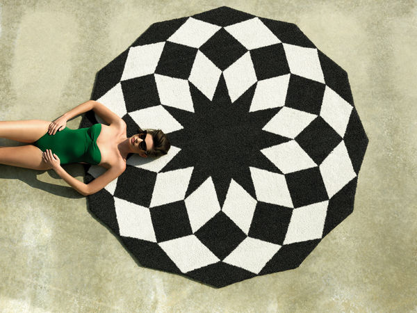 Diamond-Inspired Outdoor Rugs
