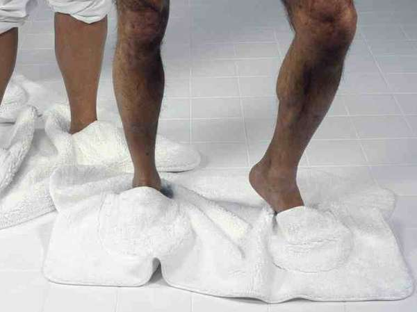 Slipper-Embedded Bath Mats (UPDATE)
