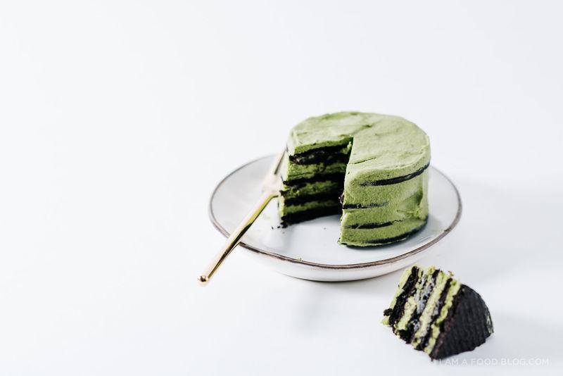 Bake-Free Matcha Cakes