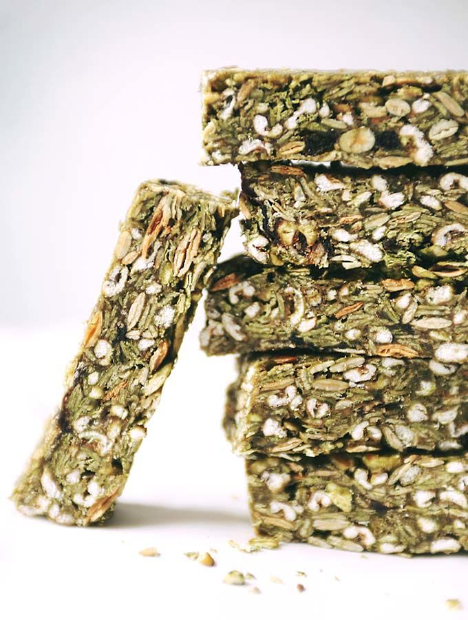 Matcha-Infused Granola Bars
