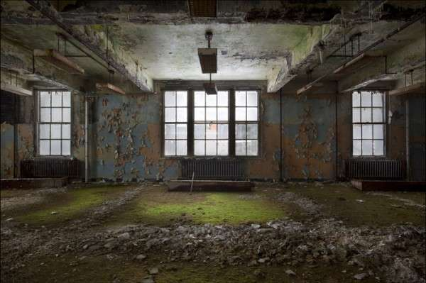Abandoned Hospital Photography