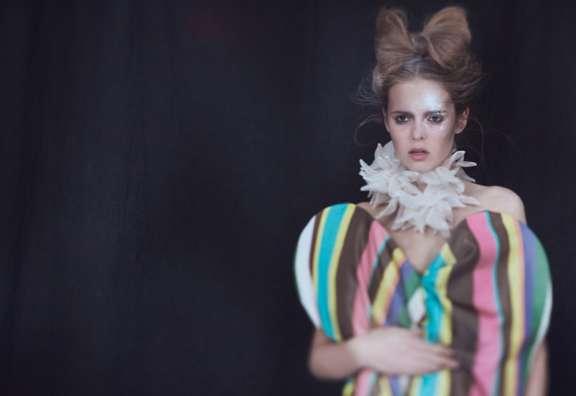 Blurry Frou-Frou Fashion