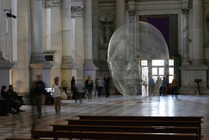 Light-Catching Mesh Sculptures