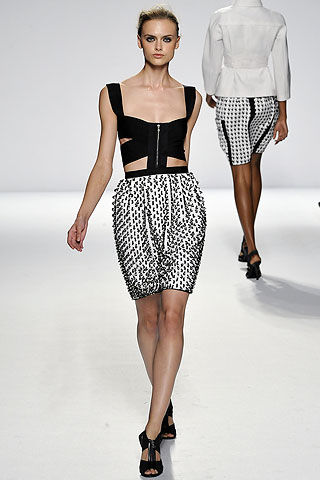 Minimalized Dresses – Designers Snip and Clip Dresses for Spring/Summer 2009