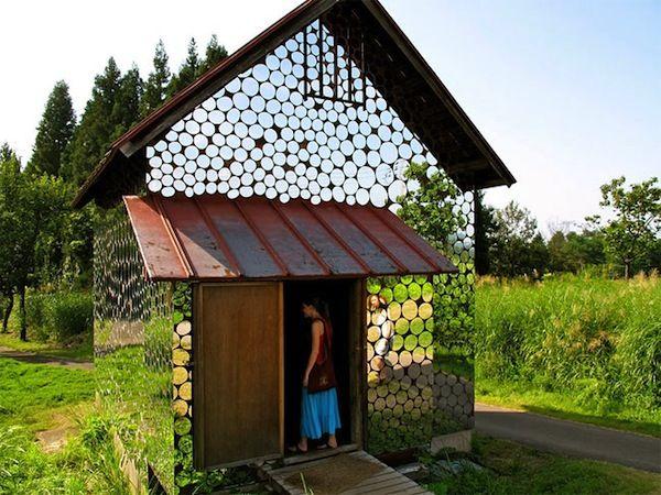 Blending Mirror-Covered Homes