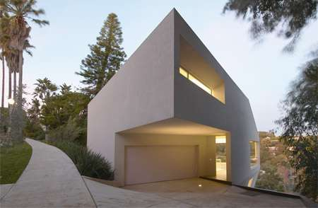 Modern Hill House in California