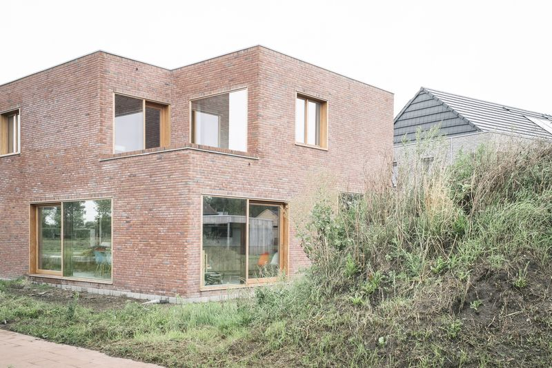 modern red brick homes : modern red brick