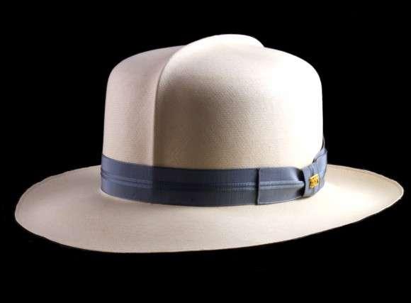 $100,000 Chapeaus
