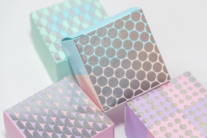 Sophisticated Mooncake Boxes