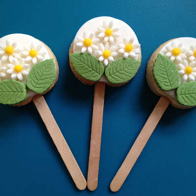 Scrumptious Floral Cookie Pops Mother S Day Treat