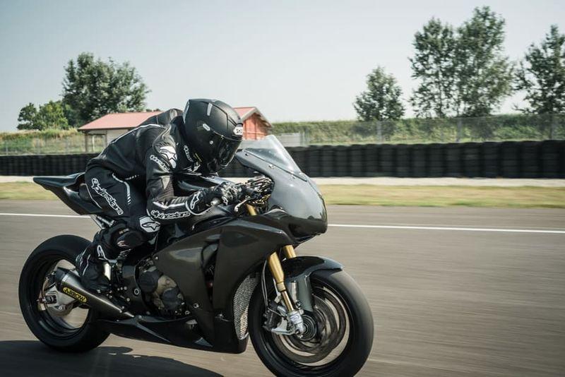 Aerodynamic Motorbike Helmets