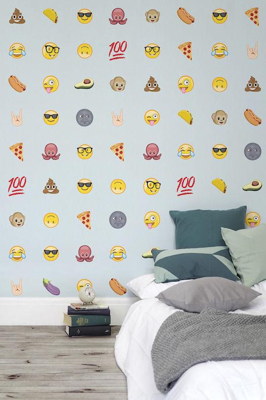 Emoji-Themed Wallpaper