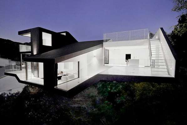 Angular Sculptural Abodes