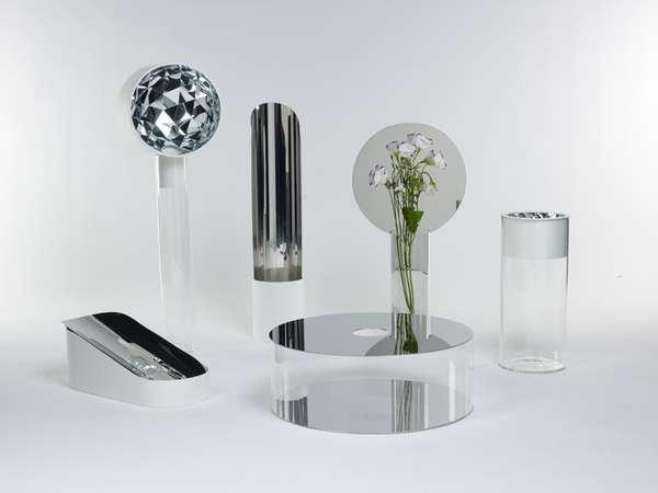 Vain Reflective Vases