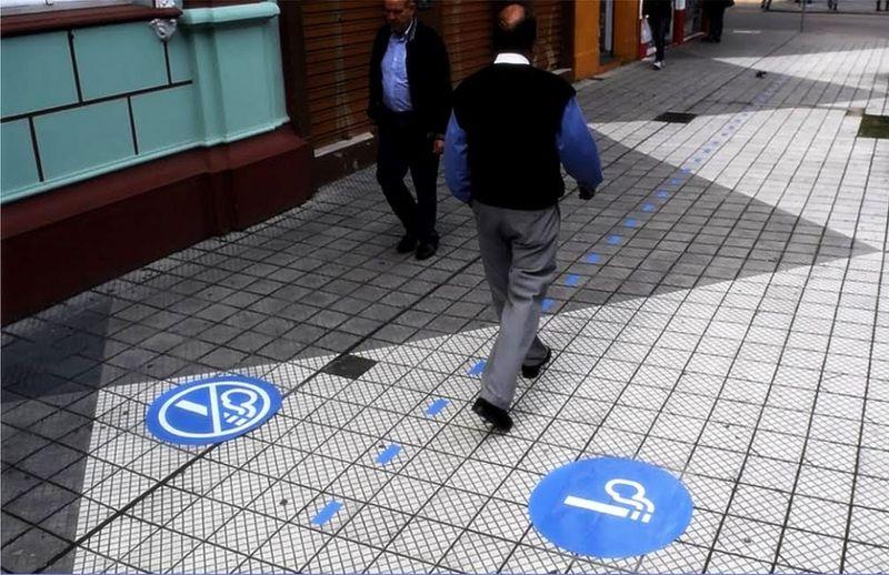 Smoker-Seperating Sidewalks