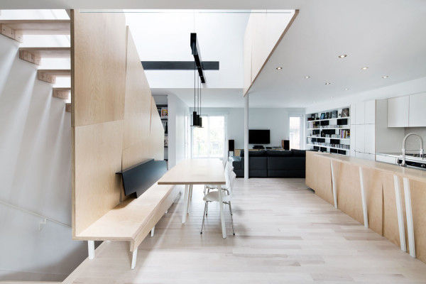 Naturally Lit Minimalist Houses