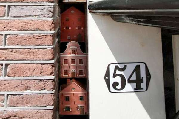 Miniature House Installations