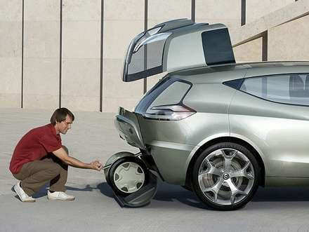 Segway-Friendly Concept Car
