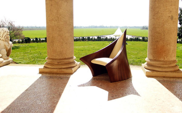 Chicly Steepled Seating