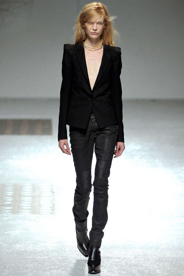 Disheveled Monochromatic Runways