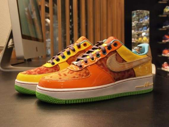Custom Multi-Hued Kicks