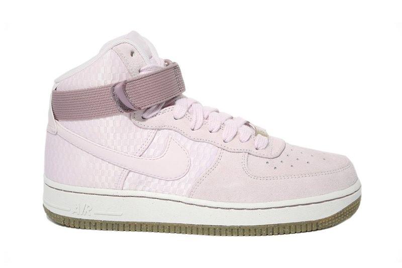 Feminine Retro Sneakers