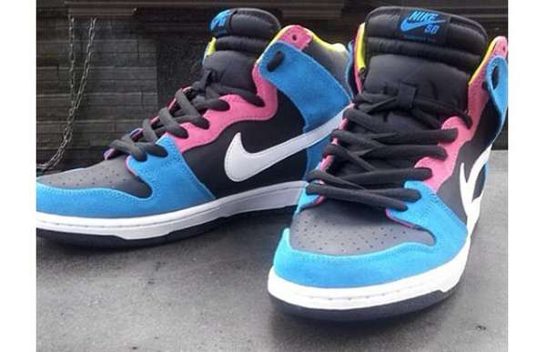 Nike SB Dunk High 'Bazooka Joe'
