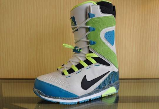 Colortastic Snowboard Boots
