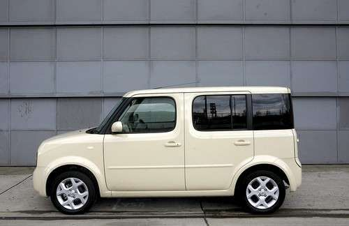 Sneak Peek at Nissan Cube