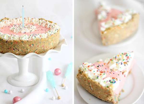 Milkshake-Mimicking Cakes : no bake strawberry milk cheesecake