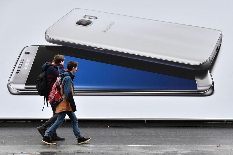 Expanded Hardware Smartphones