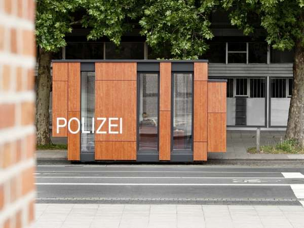 Compact Cop Stations