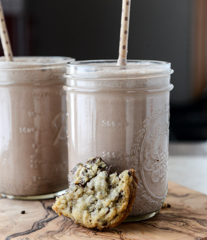Oatmeal Chocolate Cookie Shakes